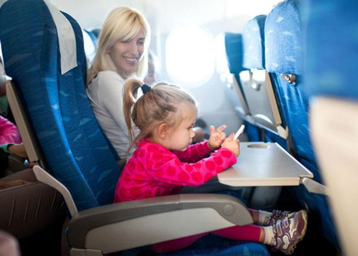 ser-paciente-con-niños-en-el-avion
