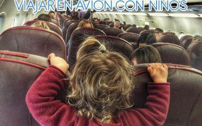 Viajar con niños en avión: información y consejos